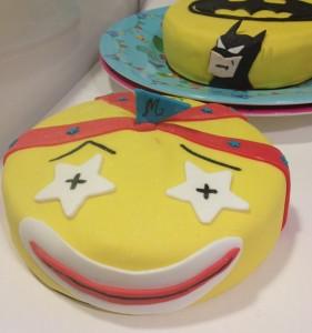 Anniversaire, gâteau décoré